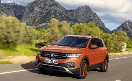 2019 Volkswagen T-Cross Front Three-Quarter Wallpaper 450x275 (2)