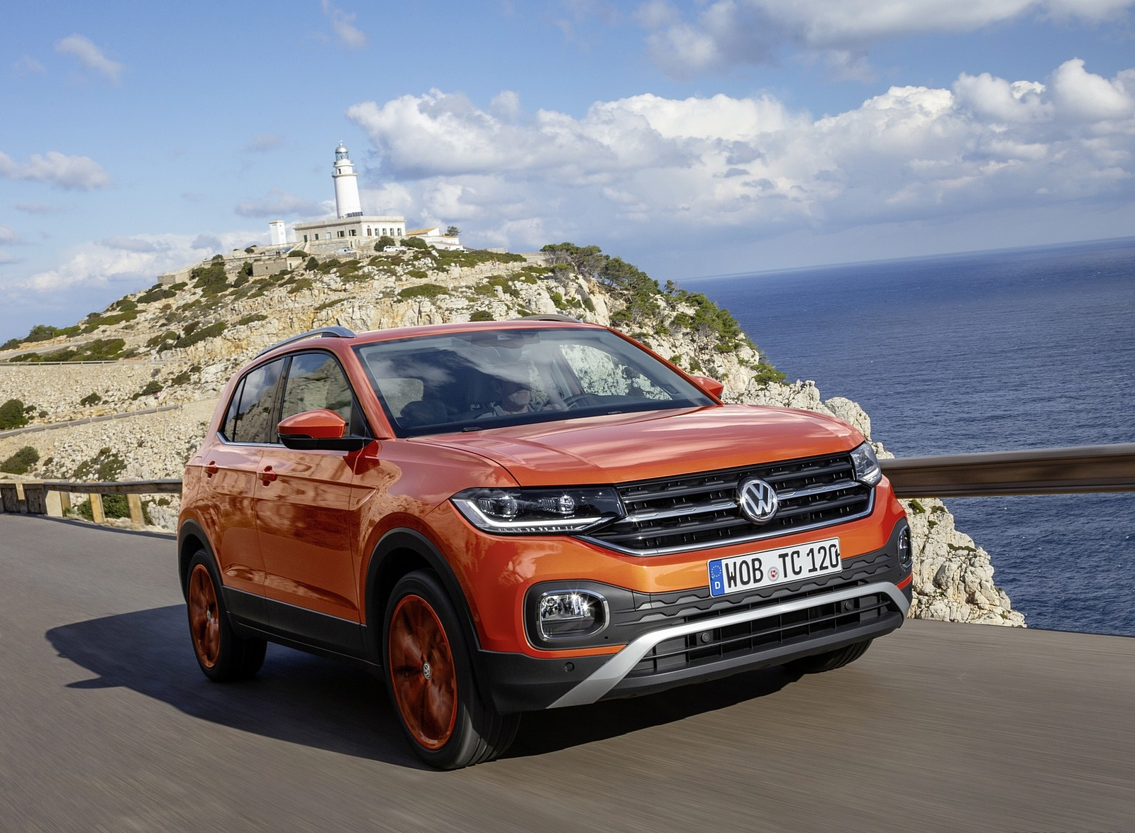 2019 Volkswagen T-Cross Front Three-Quarter Wallpaper (3)