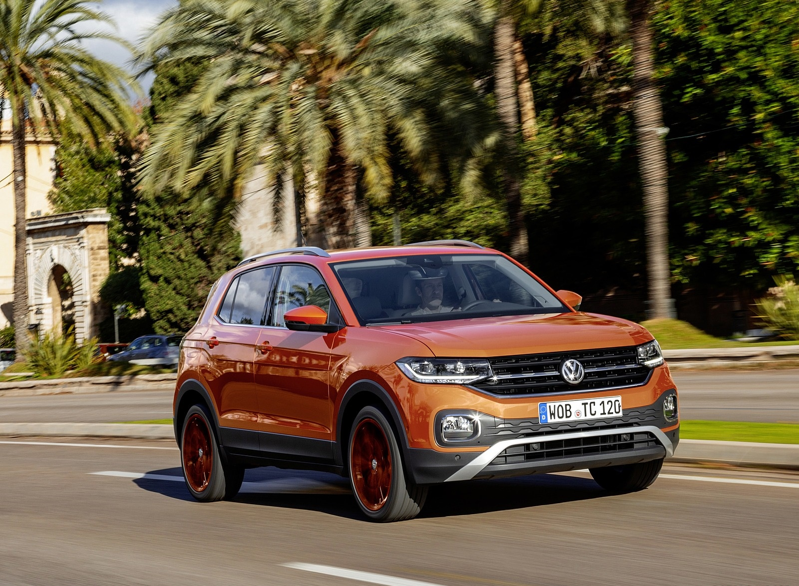 2019 Volkswagen T-Cross Front Three-Quarter Wallpapers (8)