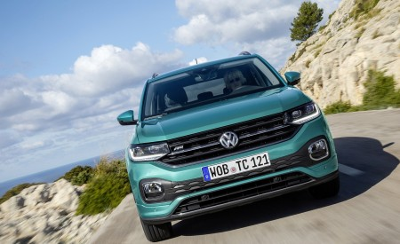 2019 Volkswagen T-Cross Front Wallpaper 450x275 (24)