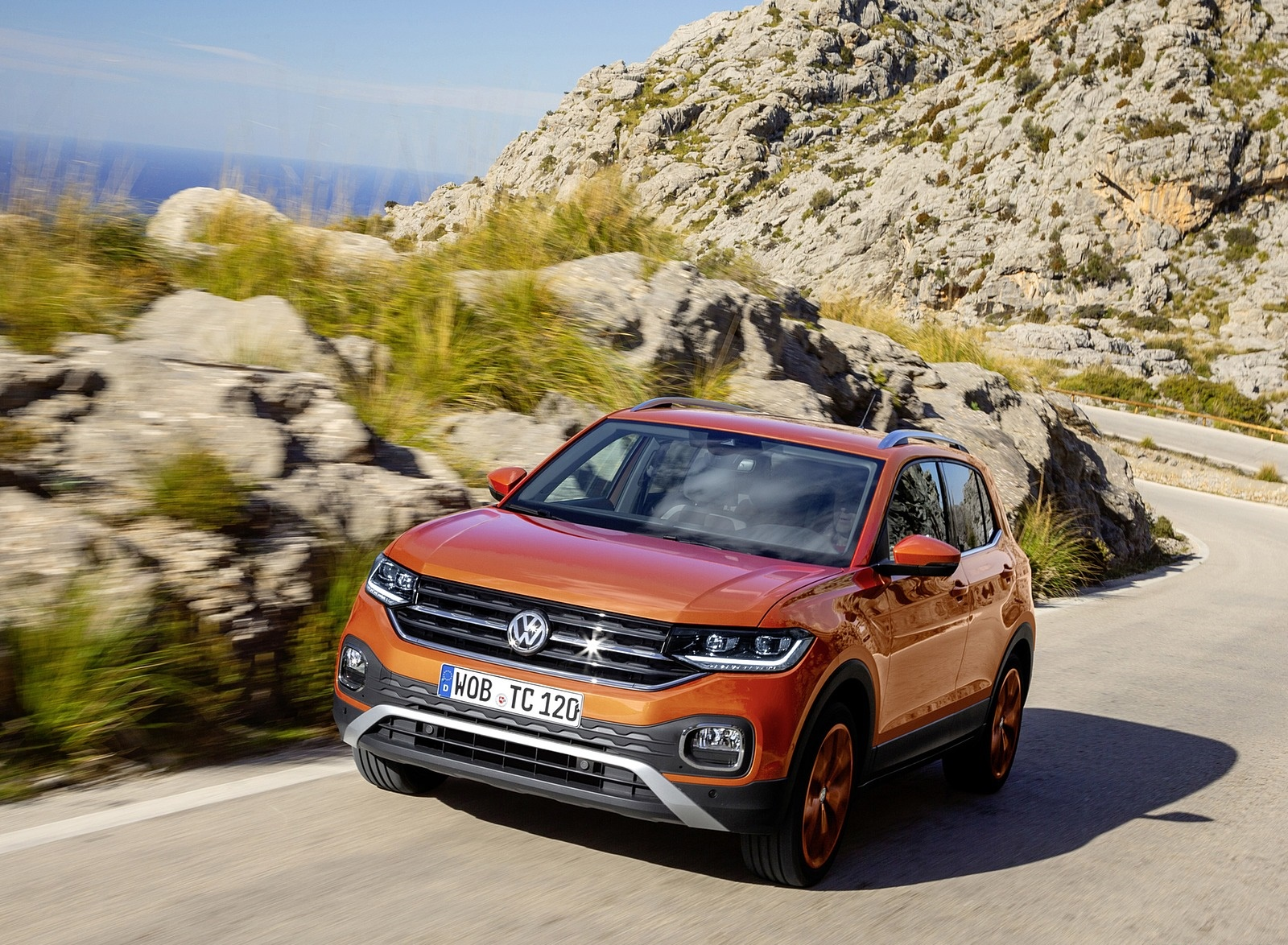 2019 Volkswagen T-Cross Front Wallpaper (1)