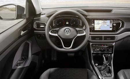 2019 Volkswagen T-Cross Interior Cockpit Wallpaper 450x275 (73)