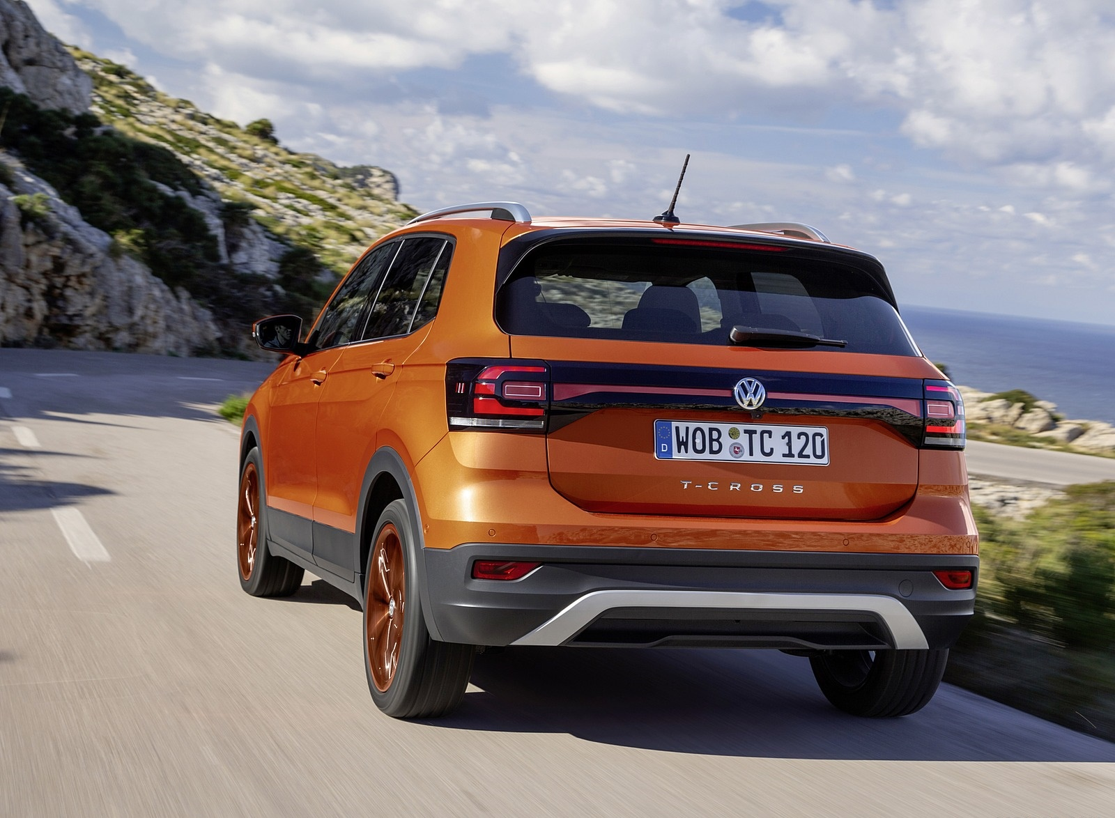 2019 Volkswagen T-Cross Rear Wallpaper (10)