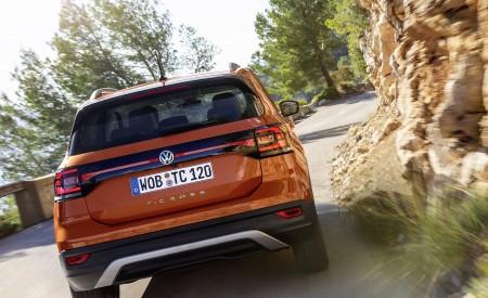 2019 Volkswagen T-Cross Rear Wallpaper 450x275 (11)