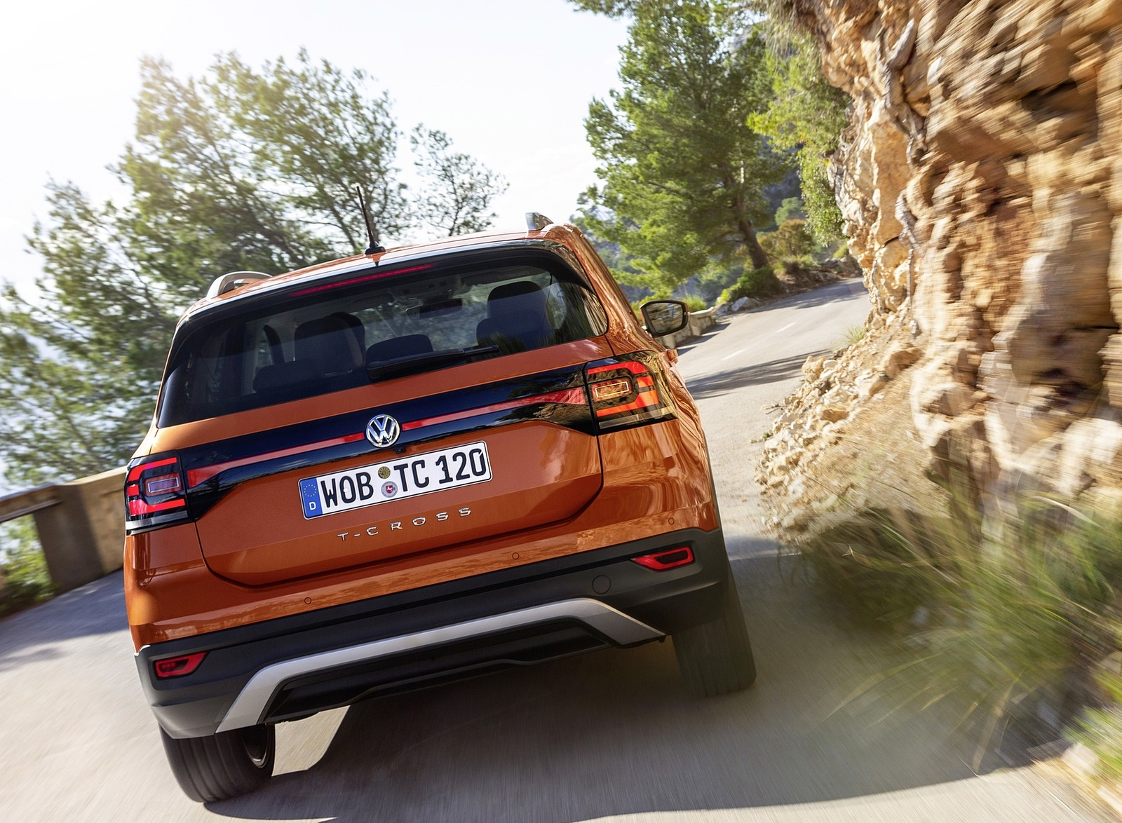 2019 Volkswagen T-Cross Rear Wallpaper (11)