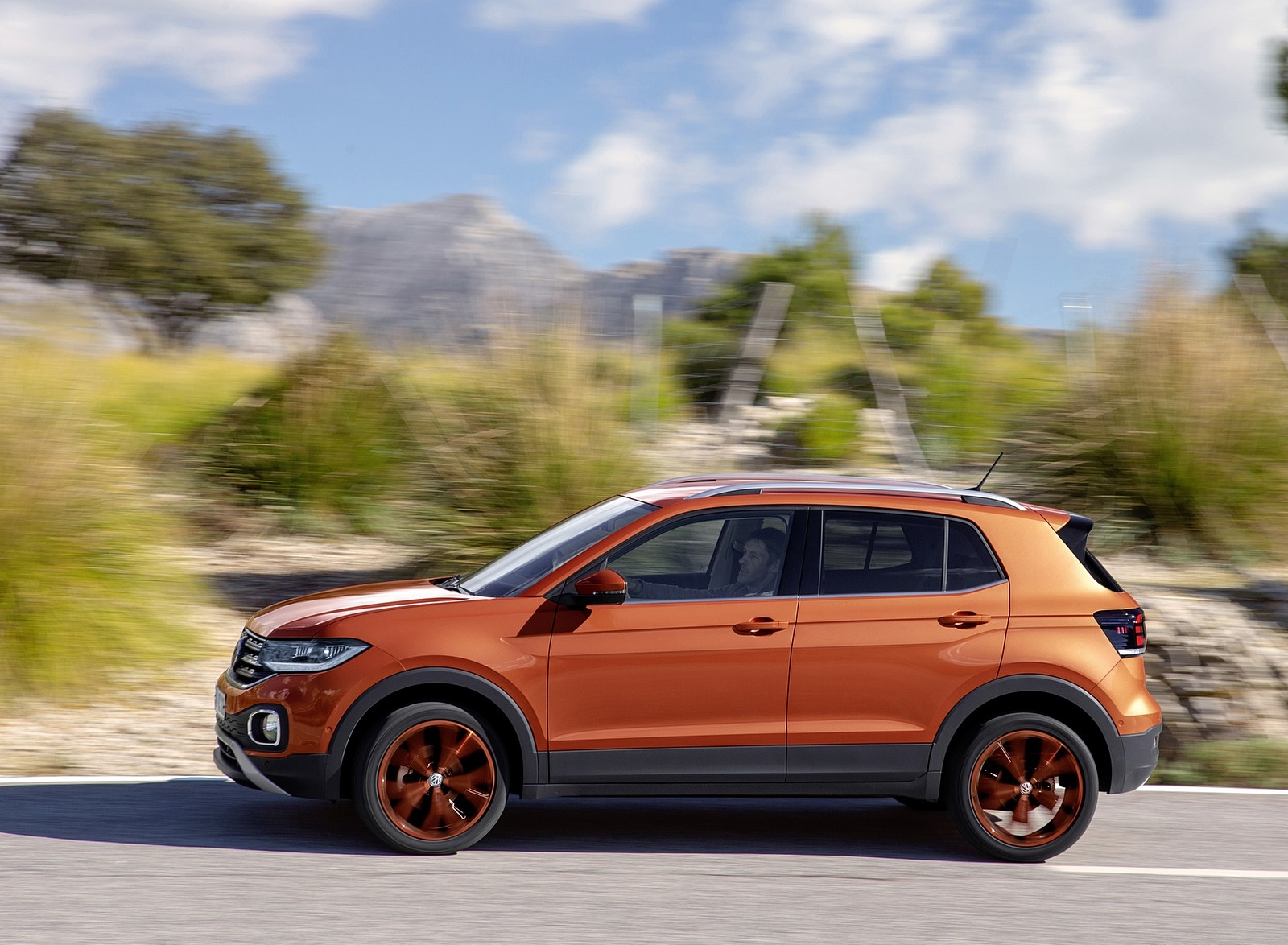 2019 Volkswagen T-Cross Side Wallpaper (12)