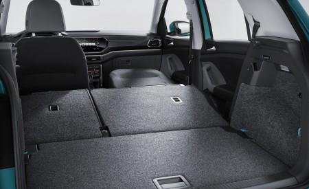 2019 Volkswagen T-Cross Trunk Wallpaper 450x275 (71)