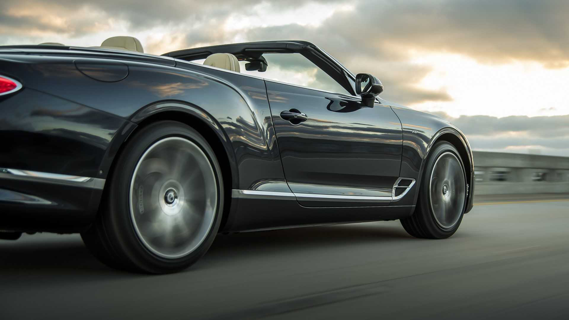 2020 Bentley Continental GT V8 Convertible Rear Three-Quarter Wallpapers (3)