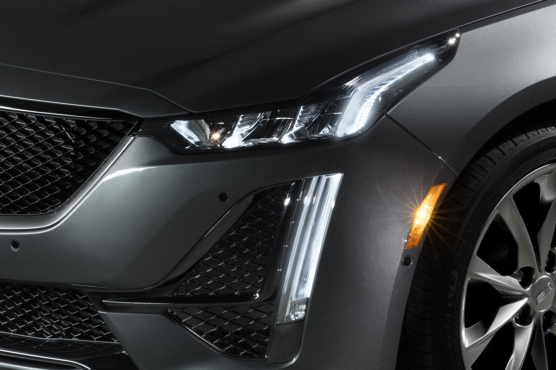 2020 Cadillac CT5 Headlight Wallpaper (7)