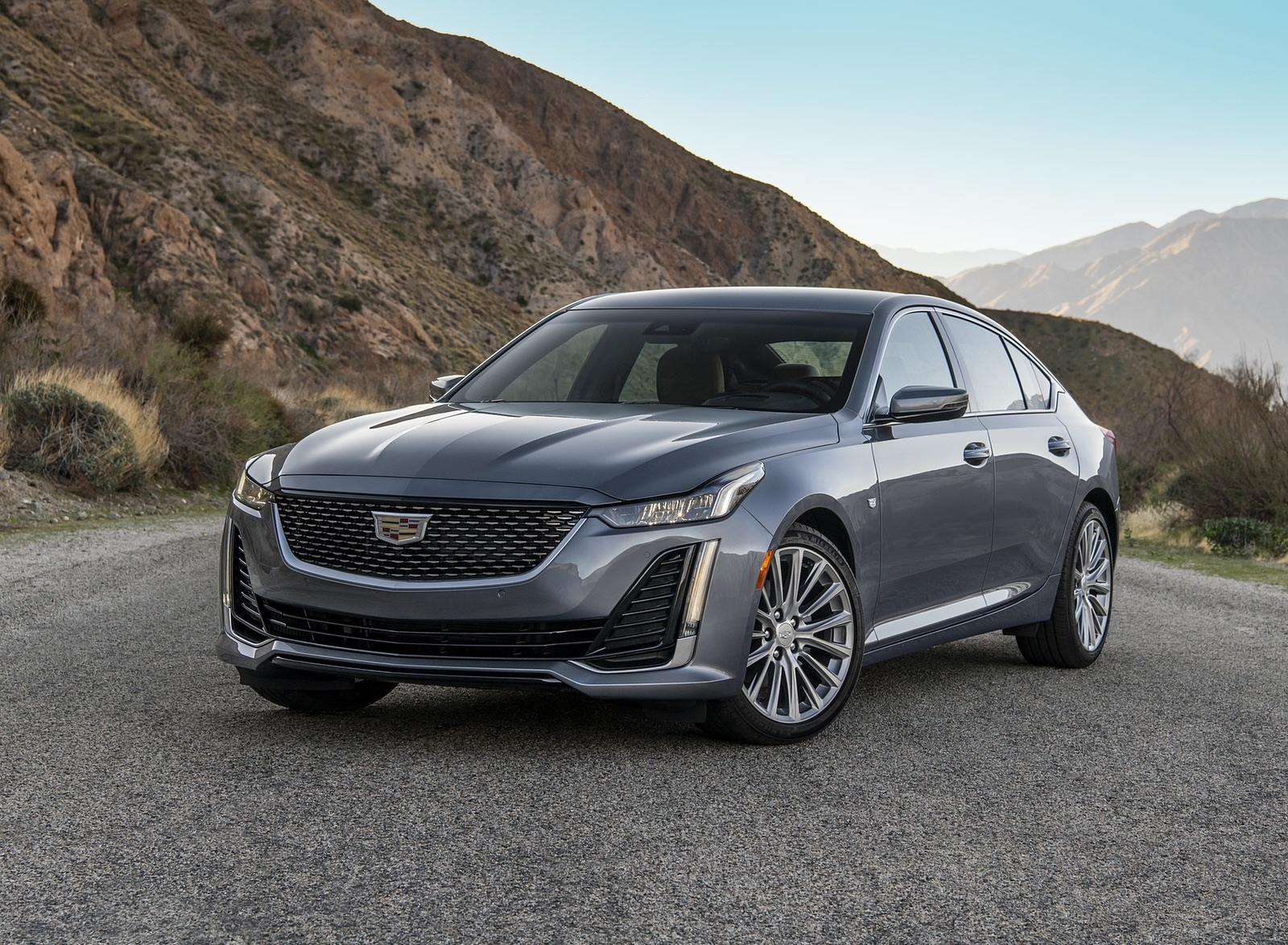 2020 Cadillac CT5 Premium Luxury Front Three-Quarter Wallpapers (5)