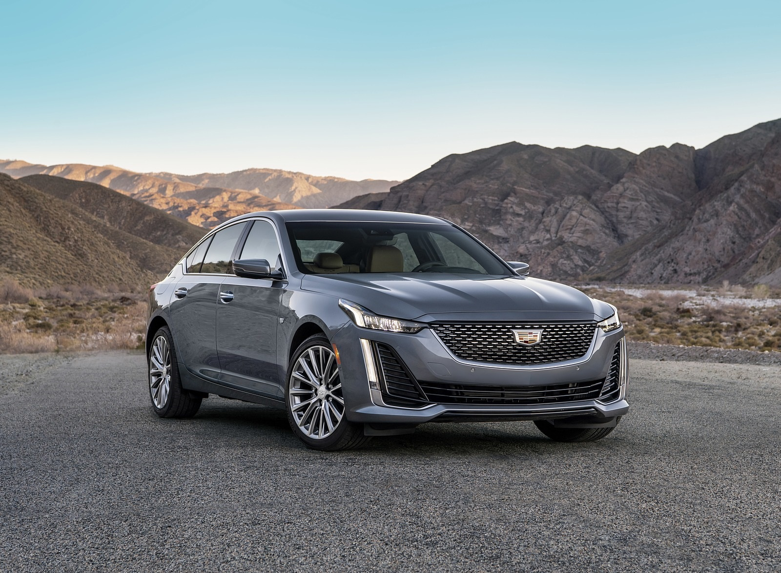 2020 Cadillac CT5 Premium Luxury Front Three-Quarter Wallpapers (6)