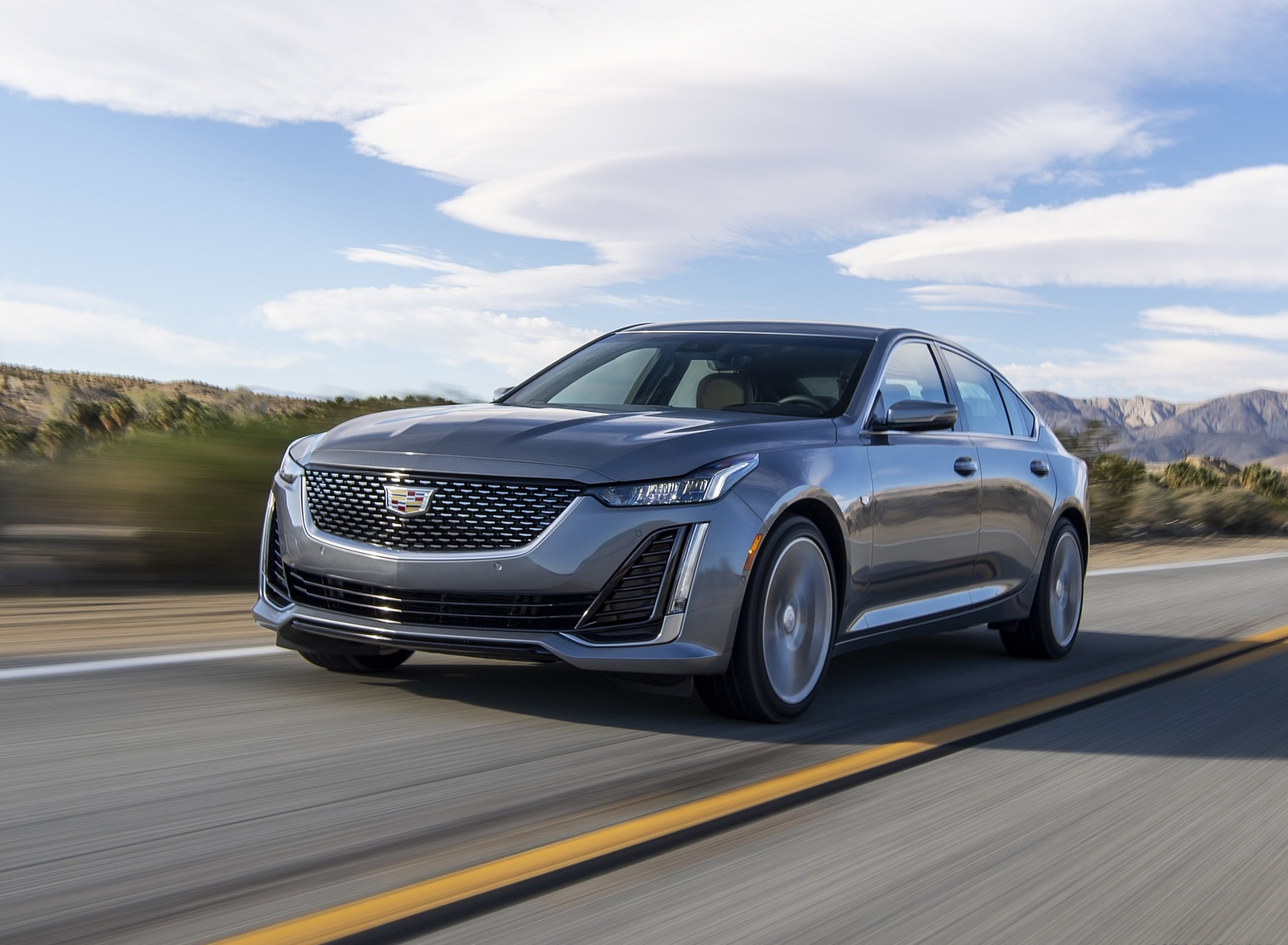 2020 Cadillac CT5 Premium Luxury Front Three-Quarter Wallpapers (2)