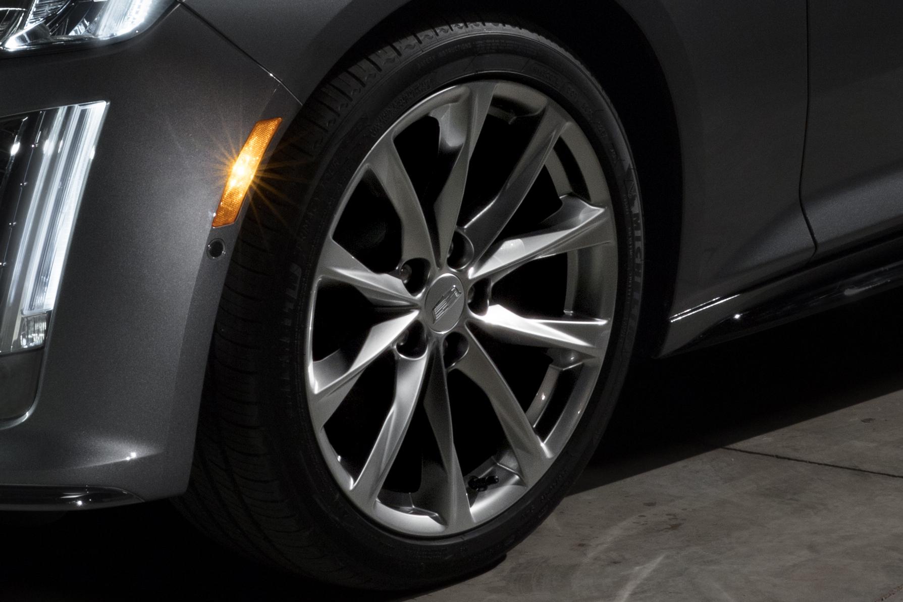 2020 Cadillac CT5 Wheel Wallpaper (8)