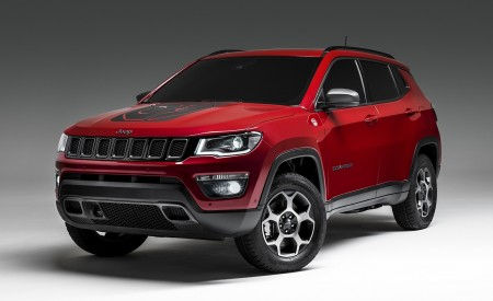 2020 Jeep Compass PHEV Front Three-Quarter Wallpaper 450x275 (4)