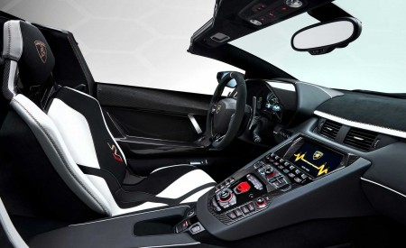 2020 Lamborghini Aventador SVJ Roadster Interior Cockpit Wallpaper 450x275 (19)