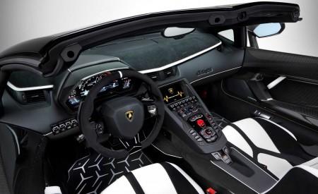 2020 Lamborghini Aventador SVJ Roadster Interior Wallpaper 450x275 (20)