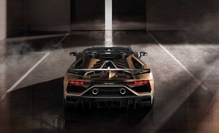 2020 Lamborghini Aventador SVJ Roadster Rear Wallpaper 450x275 (13)