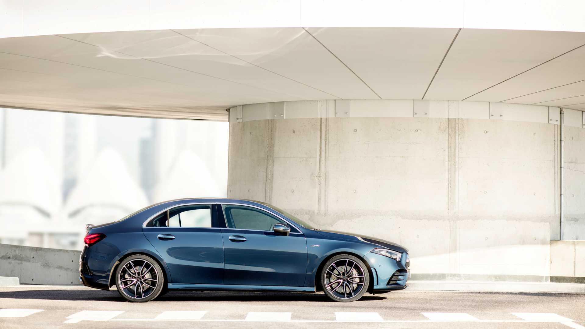 2020 Mercedes-AMG A 35 Sedan Side Wallpaper (13)