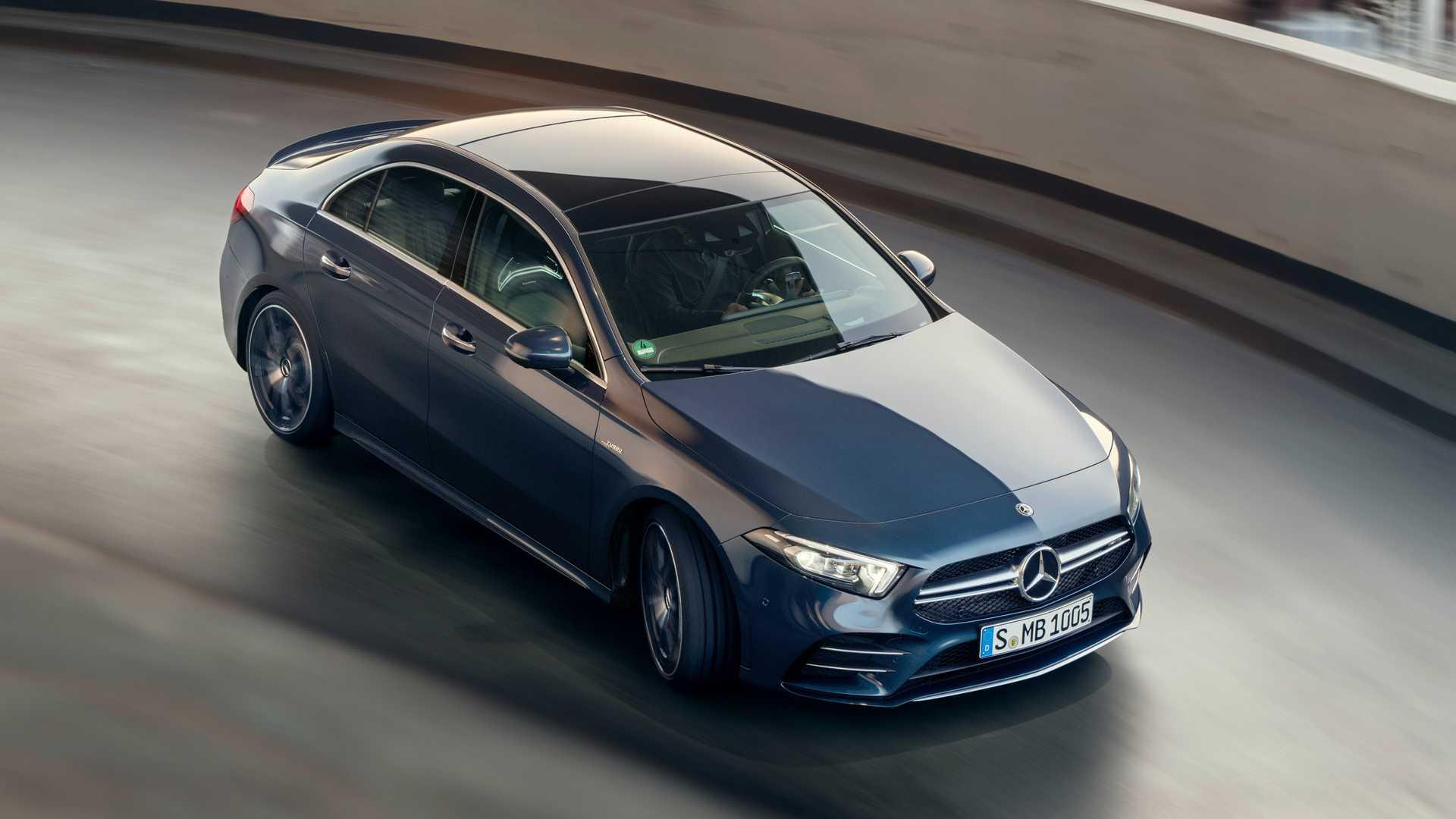 2020 Mercedes-AMG A 35 Sedan Top Wallpaper (6)