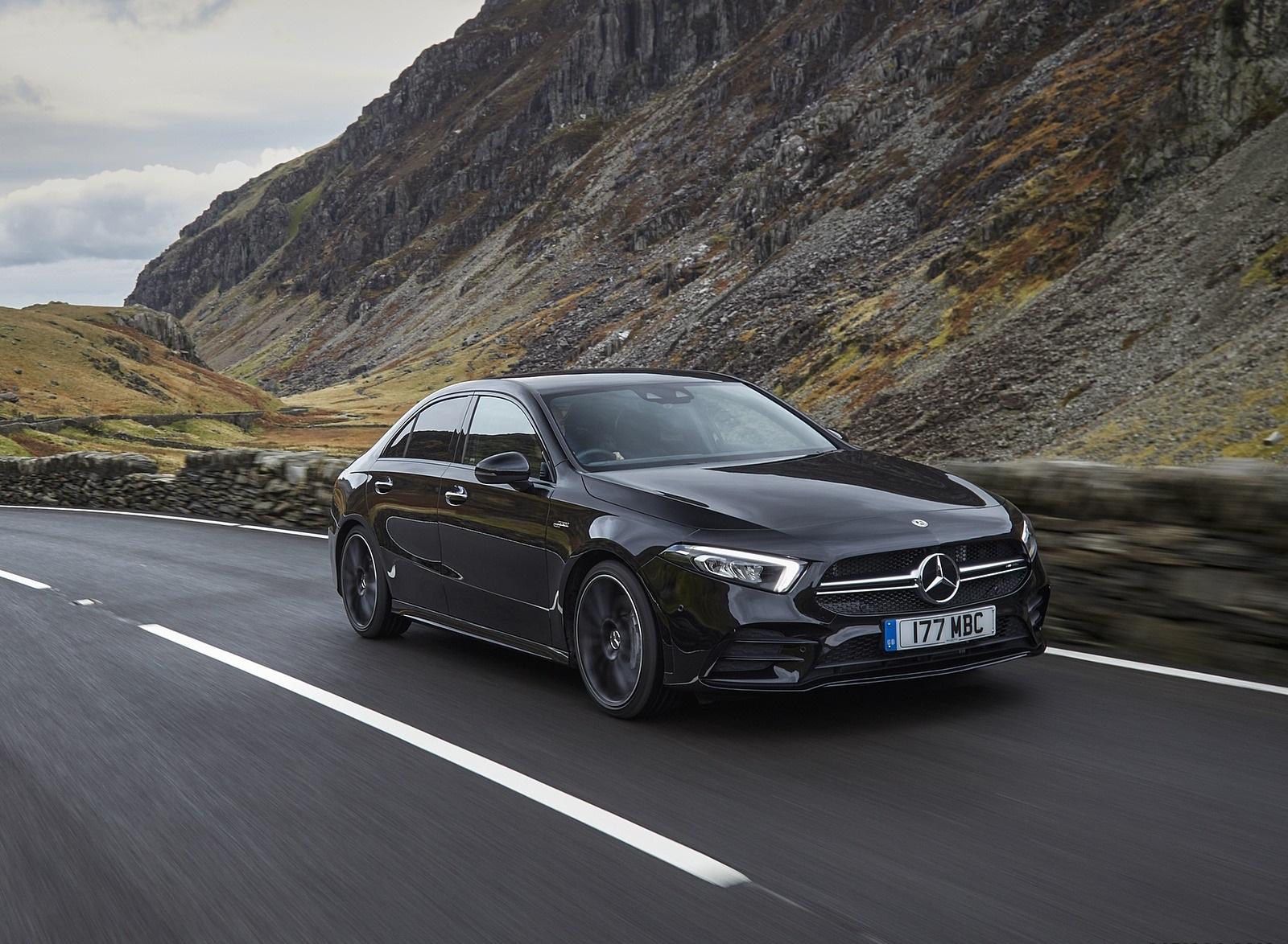 2020 Mercedes-AMG A 35 Sedan (UK-Spec) Front Three-Quarter Wallpapers (4)