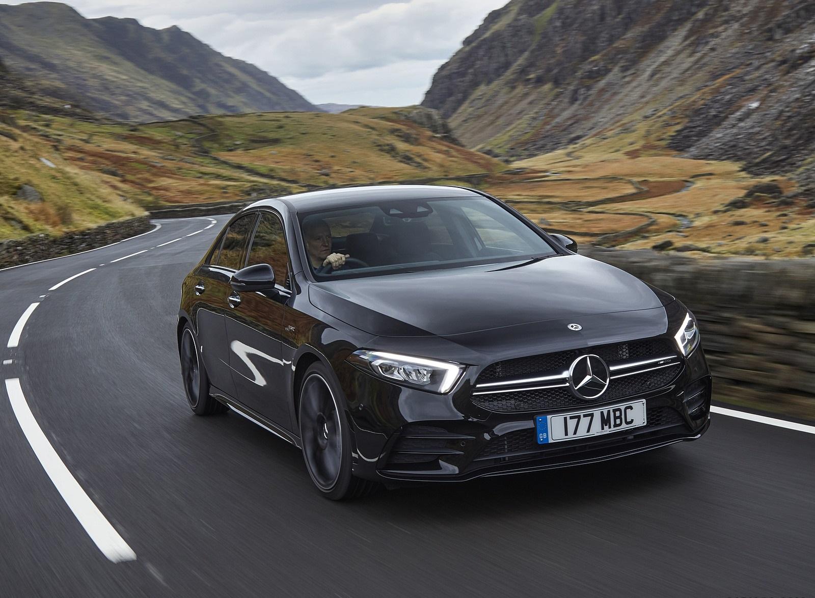 2020 Mercedes-AMG A 35 Sedan (UK-Spec) Front Three-Quarter Wallpapers (5)