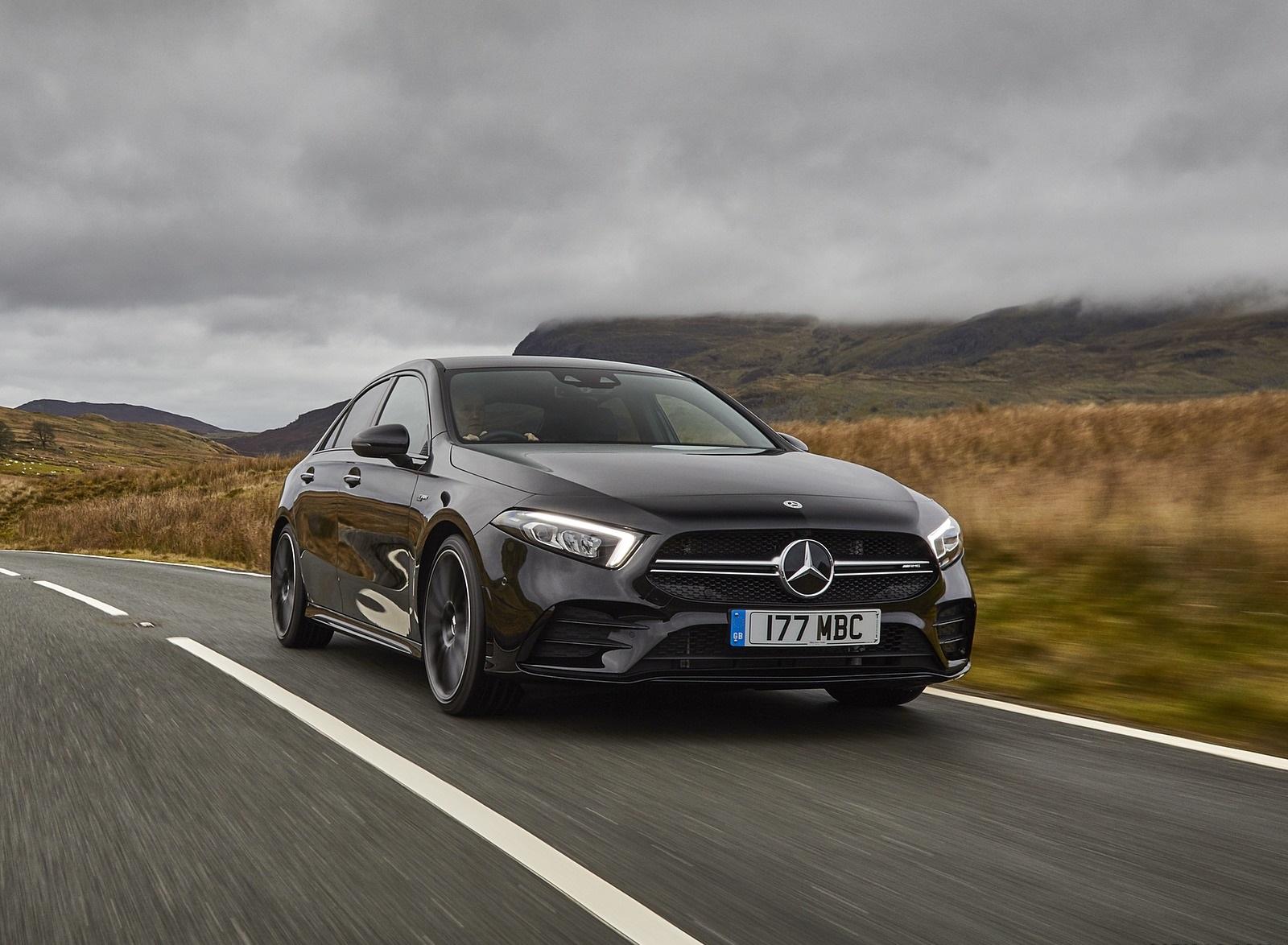 2020 Mercedes-AMG A 35 Sedan (UK-Spec) Front Three-Quarter Wallpapers (6)