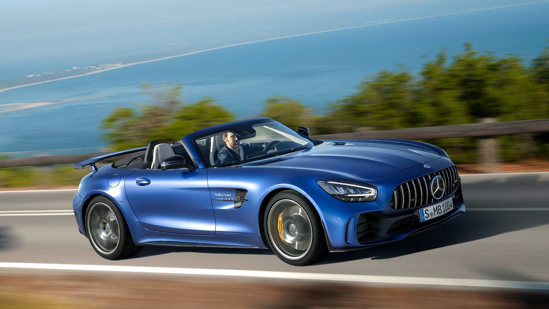 2020 Mercedes-AMG GT R Roadster Front Three-Quarter Wallpapers (6)
