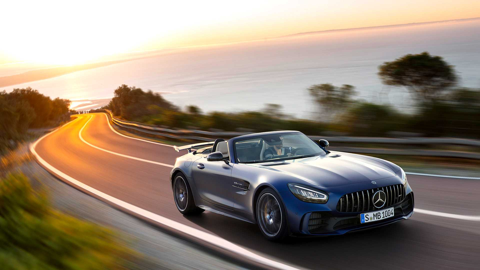 2020 Mercedes-AMG GT R Roadster Front Three-Quarter Wallpapers (2)