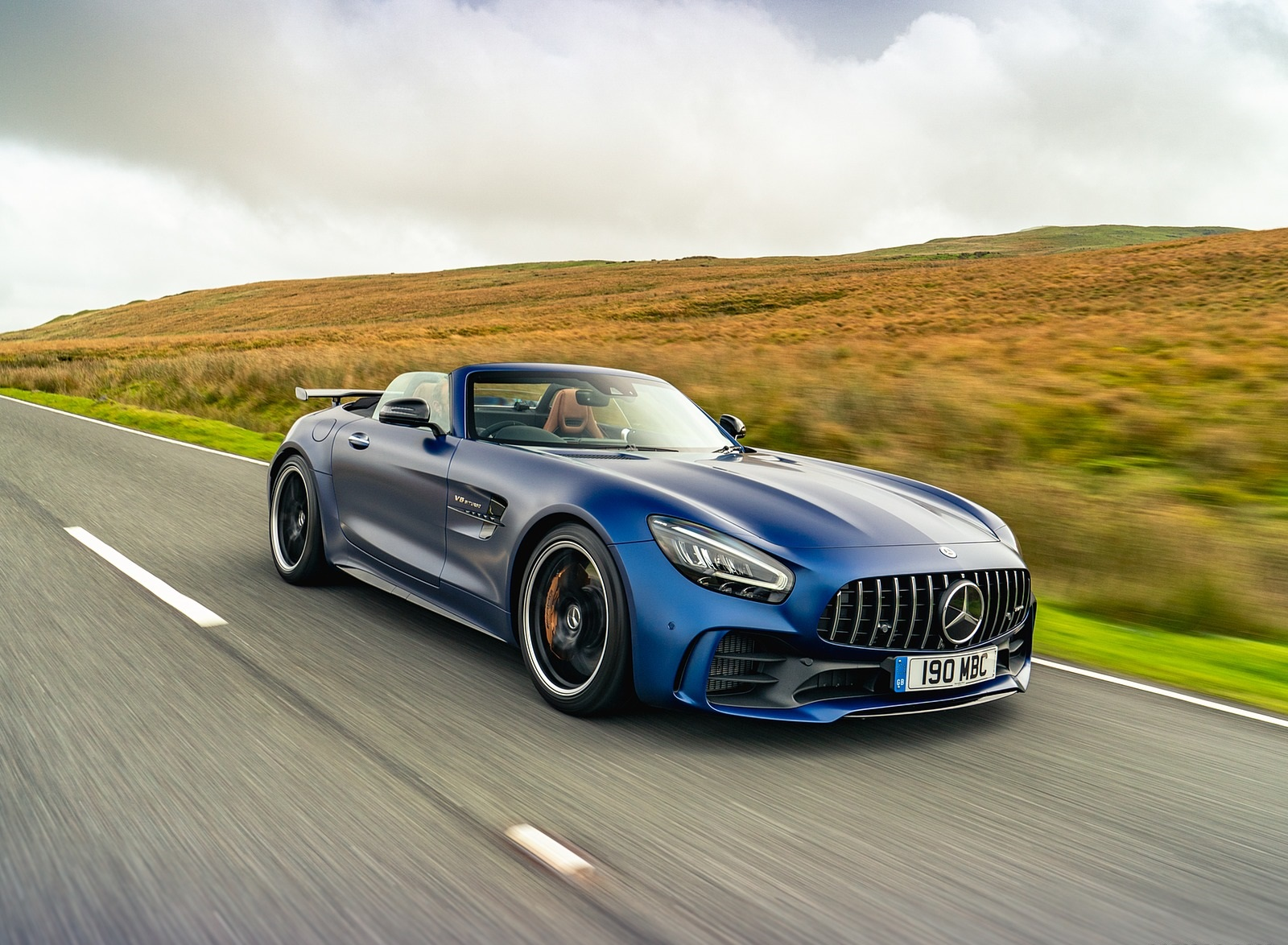 2020 Mercedes-AMG GT R Roadster (UK-Spec) Front Three-Quarter Wallpapers (1)