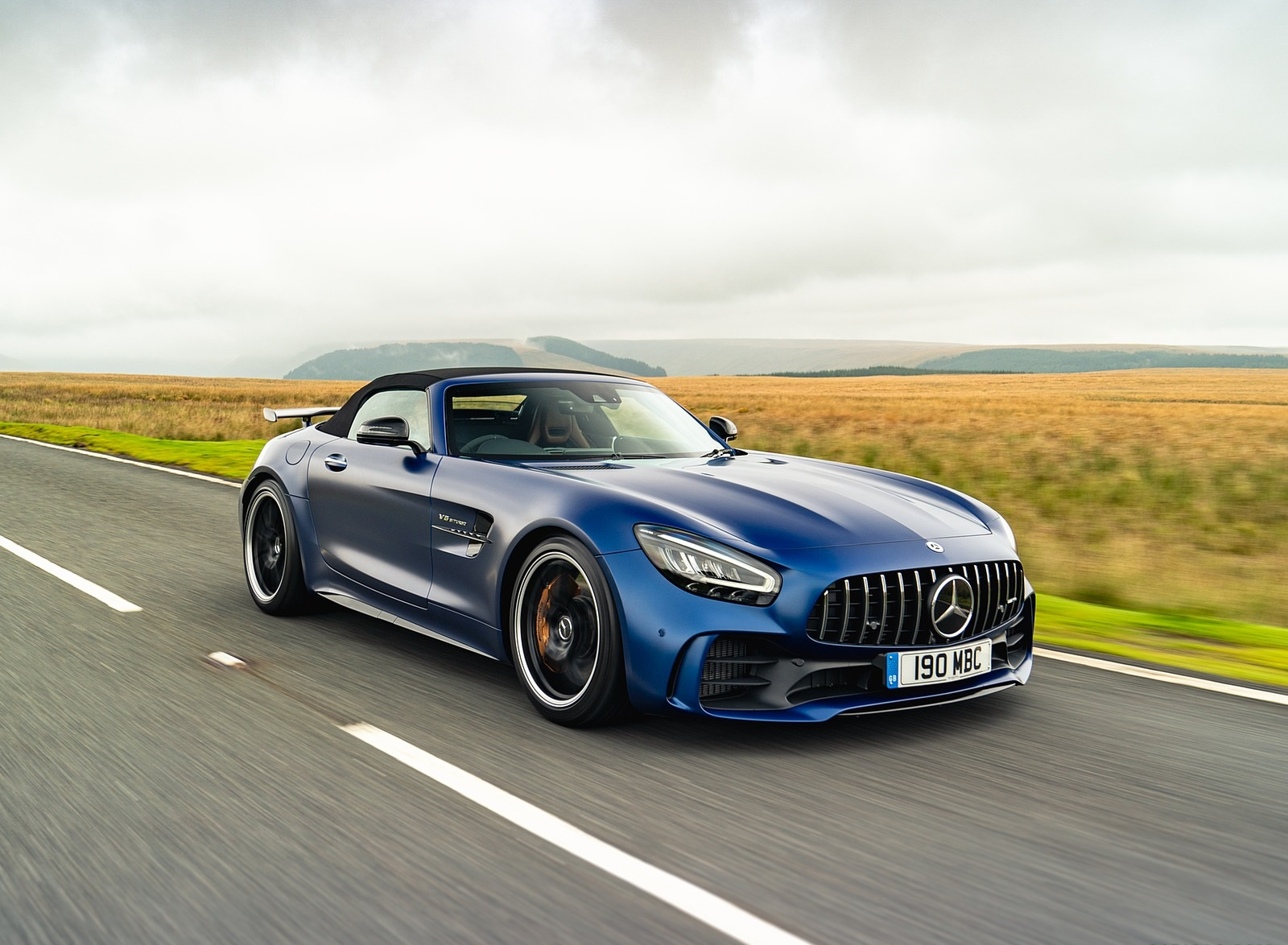 2020 Mercedes-AMG GT R Roadster (UK-Spec) Front Three-Quarter Wallpapers (3)