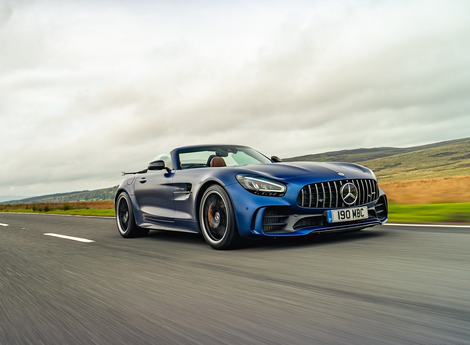 2020 Mercedes-AMG GT R Roadster (UK-Spec) Front Three-Quarter Wallpapers (4)