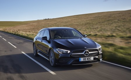 2020 Mercedes-Benz CLA 220 Shooting Brake (UK-Spec) Front Three-Quarter Wallpapers 450x275 (18)