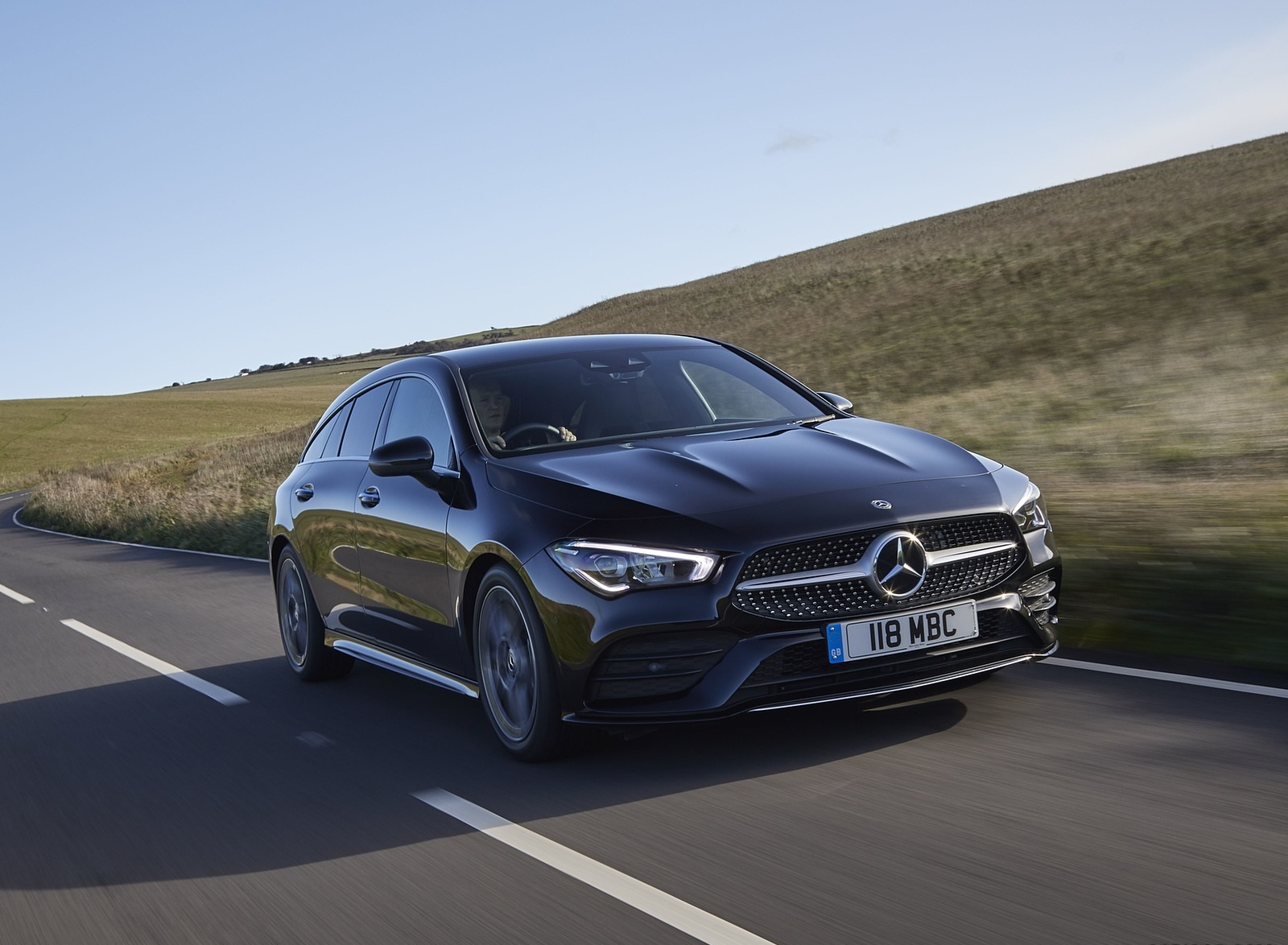 2020 Mercedes-Benz CLA 220 Shooting Brake (UK-Spec) Front Three-Quarter Wallpapers (5)