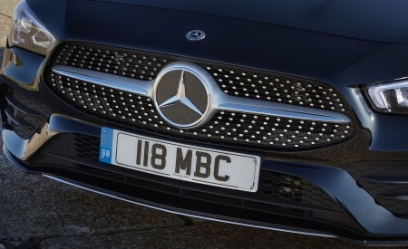 2020 Mercedes-Benz CLA 220 Shooting Brake (UK-Spec) Grill Wallpapers 450x275 (32)