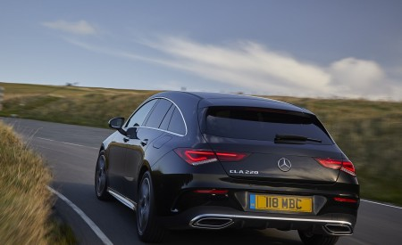 2020 Mercedes-Benz CLA 220 Shooting Brake (UK-Spec) Rear Three-Quarter Wallpapers 450x275 (20)