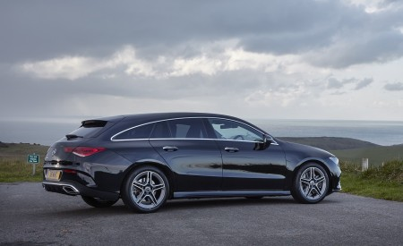 2020 Mercedes-Benz CLA 220 Shooting Brake (UK-Spec) Side Wallpapers 450x275 (26)