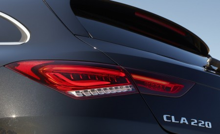 2020 Mercedes-Benz CLA 220 Shooting Brake (UK-Spec) Tail Light Wallpapers 450x275 (31)