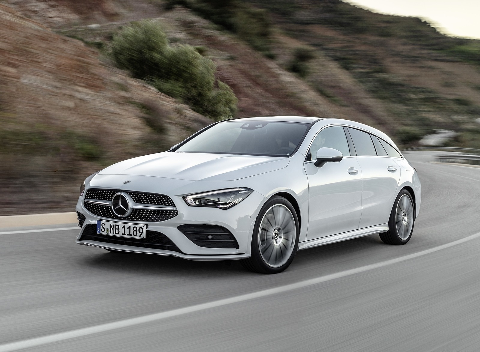 2020 Mercedes-Benz CLA Shooting Brake AMG-Line (Color: Digital White) Front Three-Quarter Wallpaper (1)