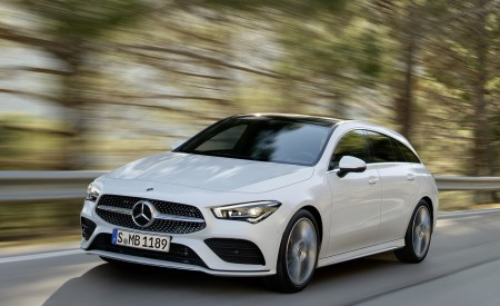 2020 Mercedes-Benz CLA Shooting Brake AMG-Line (Color: Digital White) Front Three-Quarter Wallpapers 450x275 (60)