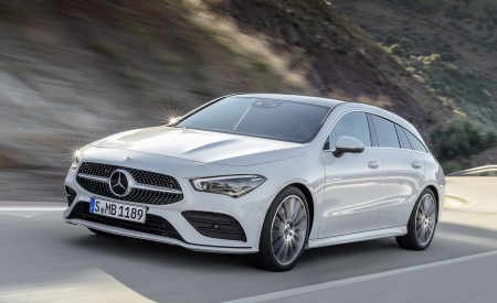 2020 Mercedes-Benz CLA Shooting Brake AMG-Line (Color: Digital White) Front Three-Quarter Wallpapers 450x275 (61)