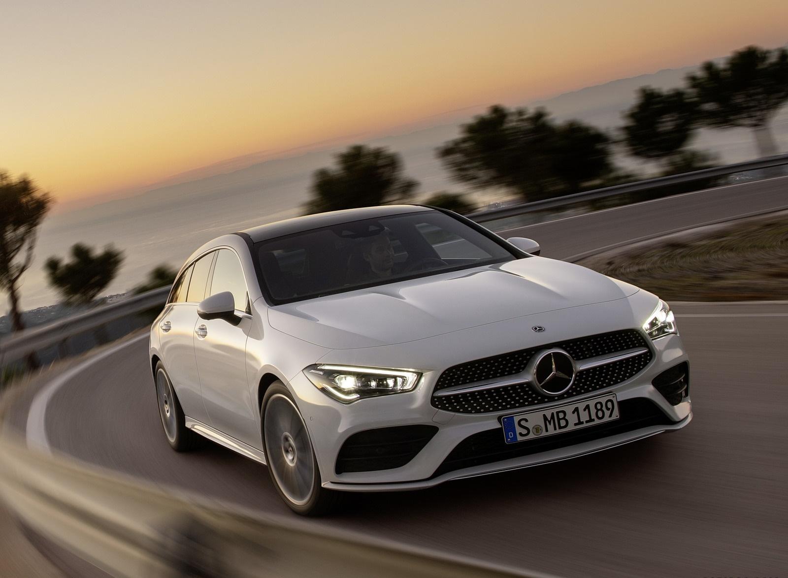 2020 Mercedes-Benz CLA Shooting Brake AMG-Line (Color: Digital White) Front Wallpapers (4)