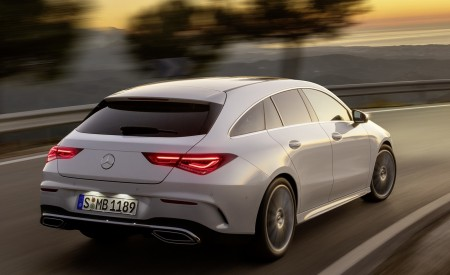 2020 Mercedes-Benz CLA Shooting Brake AMG-Line (Color: Digital White) Rear Three-Quarter Wallpapers 450x275 (64)