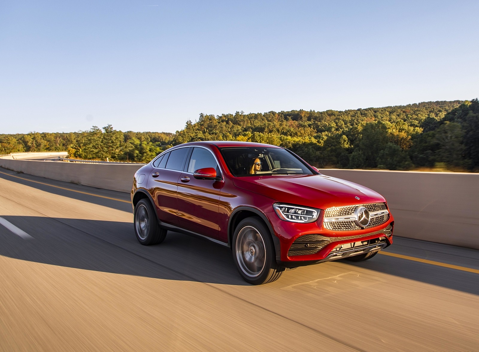 2020 Mercedes-Benz GLC 300 Coupe (US-Spec) Front Three-Quarter Wallpapers (7)