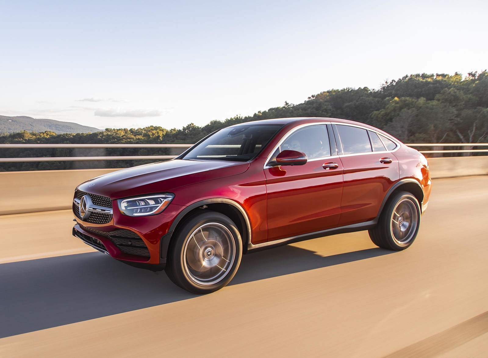 2020 Mercedes-Benz GLC 300 Coupe (US-Spec) Front Three-Quarter Wallpapers (6)