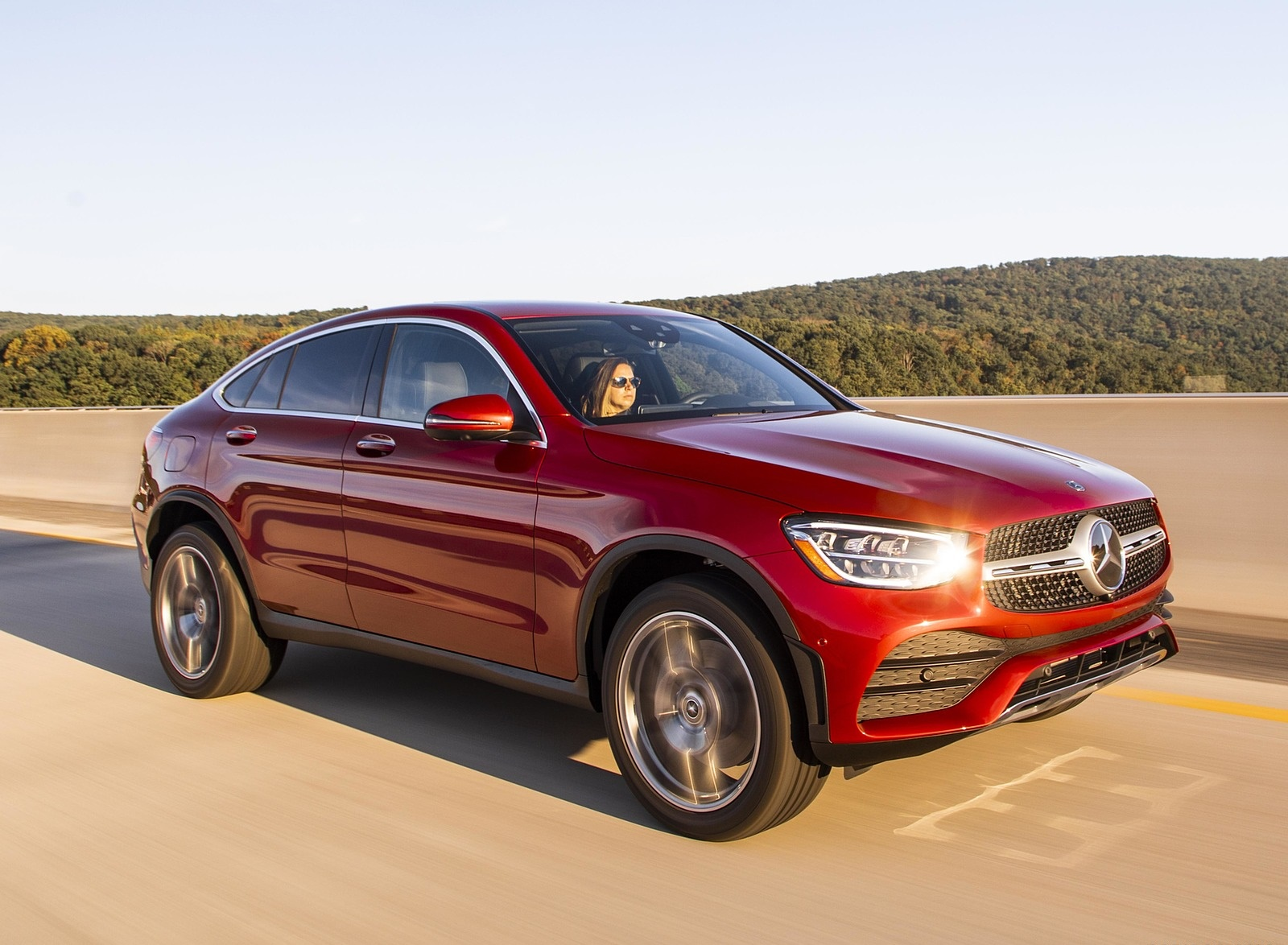 2020 Mercedes-Benz GLC 300 Coupe (US-Spec) Front Three-Quarter Wallpapers (4)