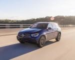 2020 Mercedes-Benz GLC 300 (US-Spec) Front Three-Quarter Wallpapers 150x120