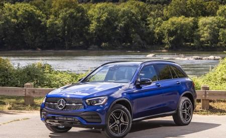 2020 Mercedes-Benz GLC 300 (US-Spec) Front Three-Quarter Wallpapers 450x275 (10)