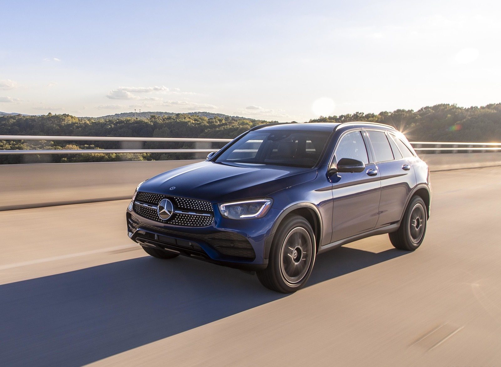 2020 Mercedes-Benz GLC 300 (US-Spec) Front Three-Quarter Wallpapers #5 of 62