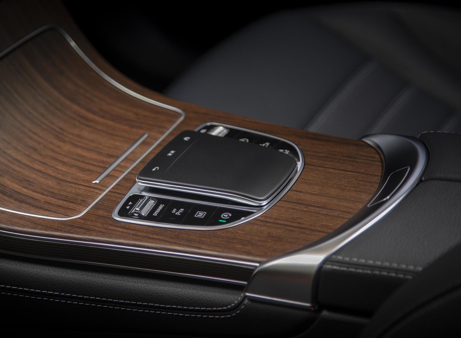 2020 Mercedes-Benz GLC 300 (US-Spec) Interior Detail Wallpapers #31 of 62
