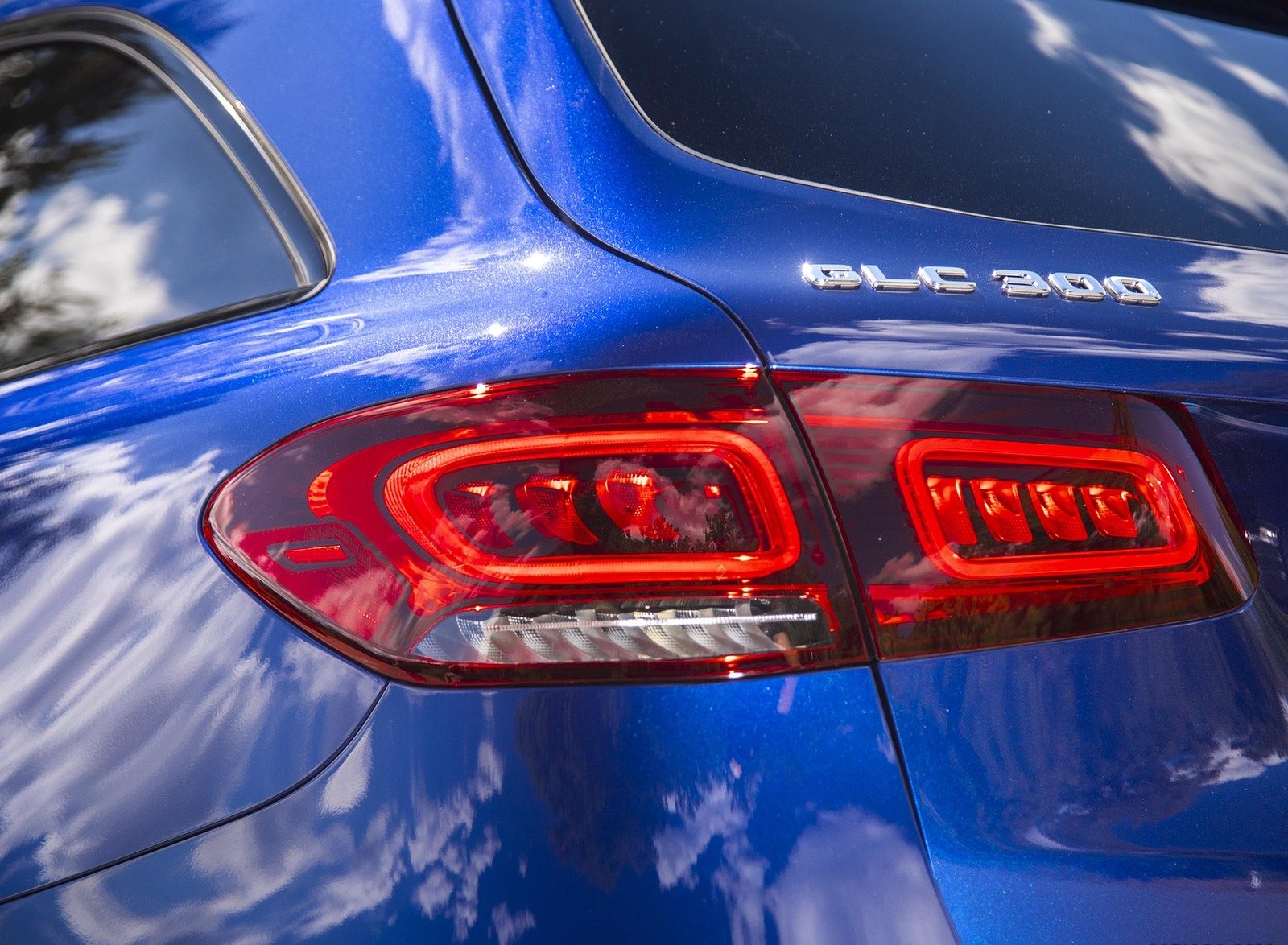 2020 Mercedes-Benz GLC 300 (US-Spec) Tail Light Wallpapers #12 of 62